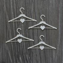 Lepenkový výrez -vešiaky so srdiečkami