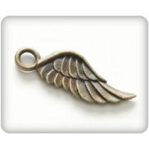 Prívesok krídlo 8*21mm